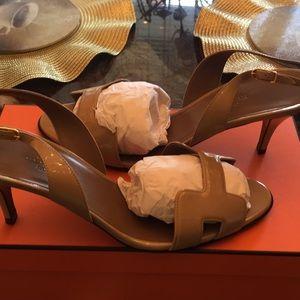 Shoes size 38,5